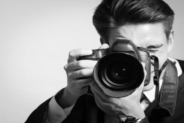 Fotógrafo en blanco y negro