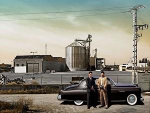 Mafiosos junto al coche en: Mafia II