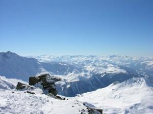 Montañas nevadas en Saboya (Francia)