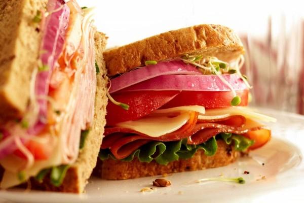 Sándwich con germinados