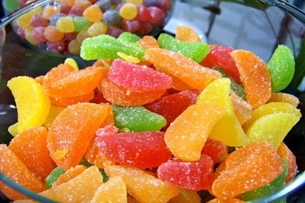 Caramelos blandos cubiertos de azúcar