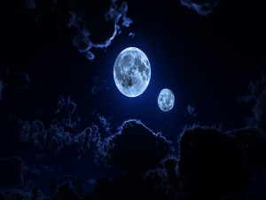 Postal: Dos lunas en el cielo