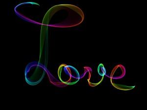 Postal: La palabra Amor en varios colores