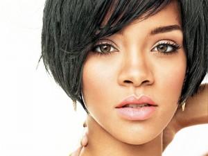 Postal: La guapa cantante Rihanna
