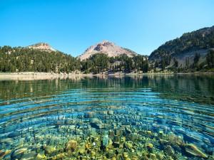 Postal: Rocas en el fondo del lago