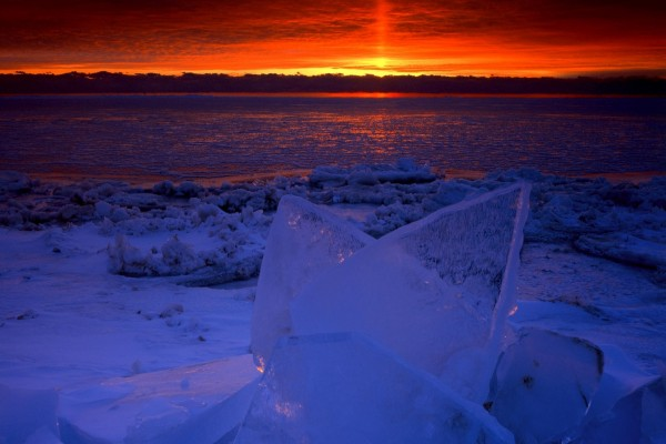 Bloques de hielo al atardecer