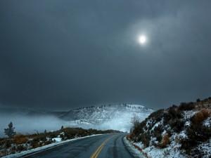 Postal: Fría noche en la carretera
