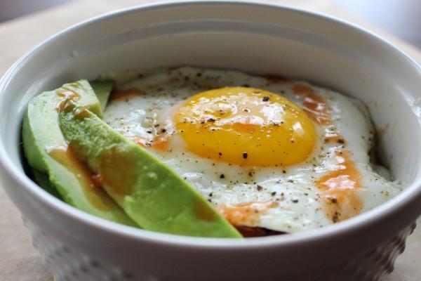 Huevo en una cazuela