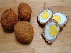Postal: Huevos cocidos, empanados y fritos