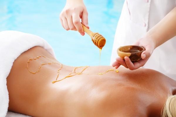 Masaje terapéutico con miel