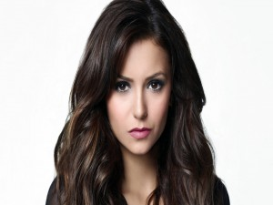 Postal: Nina Dobrev, actriz de la serie de televisión Crónicas Vampíricas