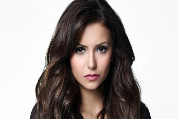 Nina Dobrev, actriz de la serie de televisión Crónicas Vampíricas