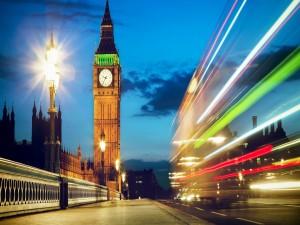Postal: Luces en la noche de Londres