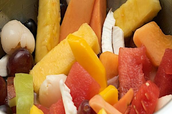 Frutas variadas en ensalada