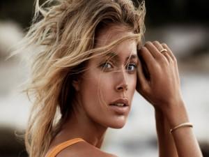 Postal: Doutzen Kroes, modelo y actriz