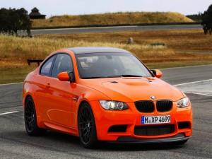 BMW M3 GTS, auto deportivo color naranja
