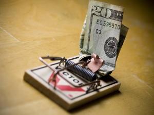 Postal: Billete en la trampa