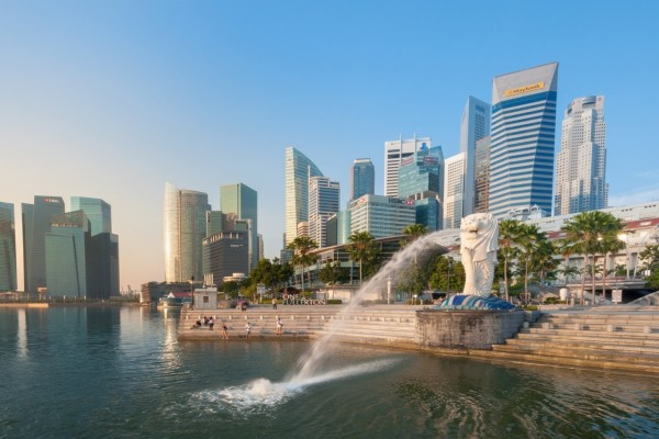 Fuente en el paseo marítimo de Singapur