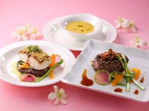 Postal: Tres platos de comida muy apetecibles