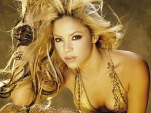 Postal: Shakira dorada