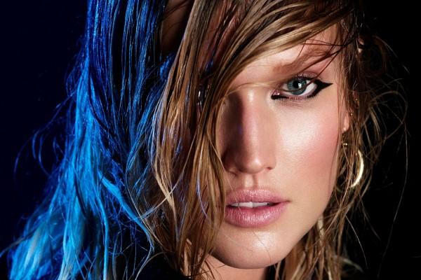 La distinguida modelo Toni Garrn