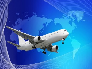 Avión y mapa mundi