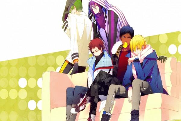 """Chicos de """"Kuroko no Basuke"""" sentados en un sofá"""