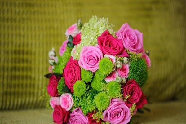 Delicado ramo de flores para una novia
