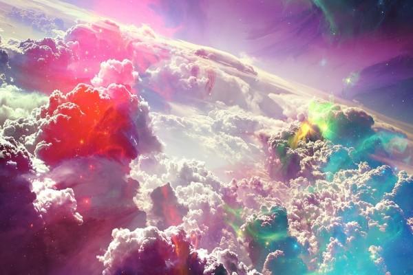 Nubes con reflejos de colores