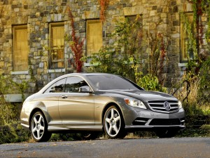 Postal: Mercedes-Benz CL550 4MATIC