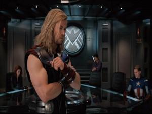 """Thor y otros superhéroes en """"Los Vengadores"""""""