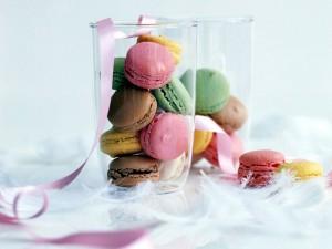Macarons en unos vasos de cristal