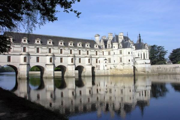 Castillo de Chenonceau y el río Cher (Francia)
