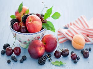 Postal: Frutas de primavera