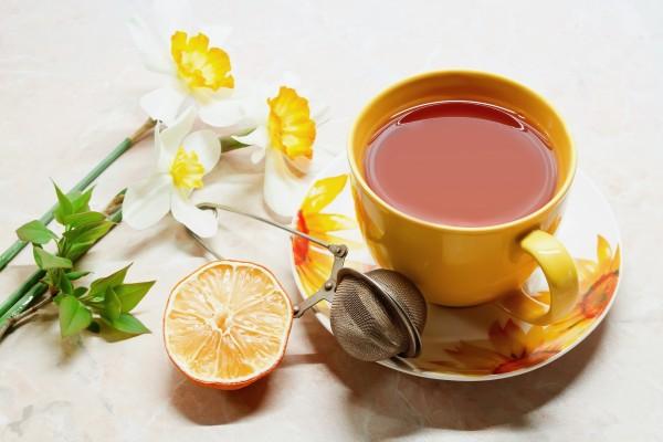 Taza de té y flores