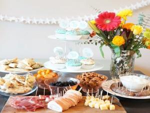 Alimentos y decoración para una celebración