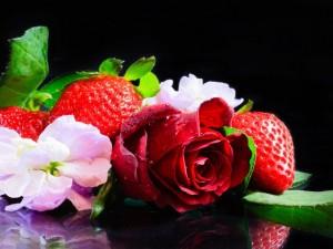 Postal: Flores y fresas
