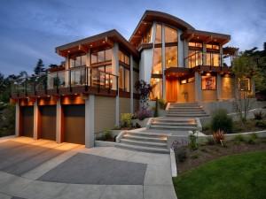 Gran casa iluminada