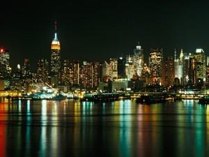 Postal: Brillante noche en la ciudad