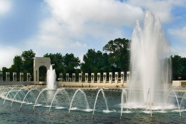 Fuente en el Monumento Nacional a la Segunda Guerra Mundial