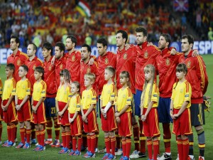 Postal: Jugadores de la Selección Española antes del partido