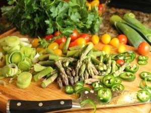 Postal: Cortando verduras con un buen cuchillo