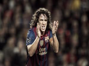 Carles Puyol aplaudiendo