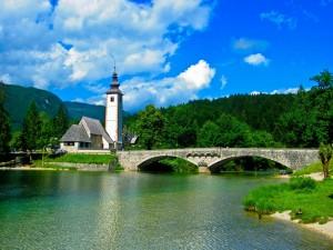 Postal: Puente sobre el río