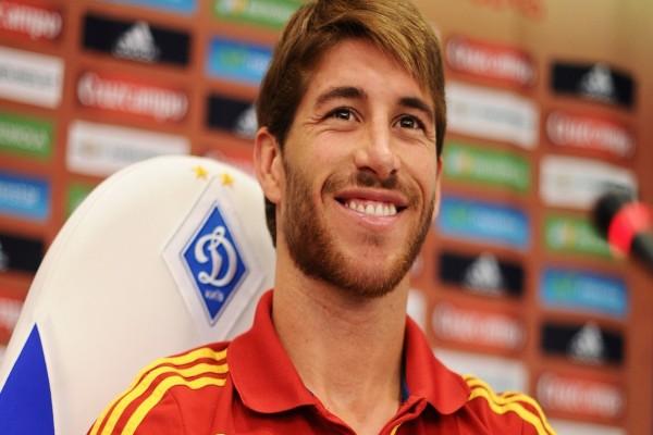 El futbolista Sergio Ramos con la camiseta de la Selección Española