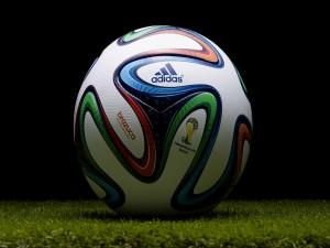 Postal: Adidas Brazuca, balón oficial de la Copa Mundial de Fútbol 2014