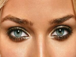 Postal: Bellos ojos te contemplan