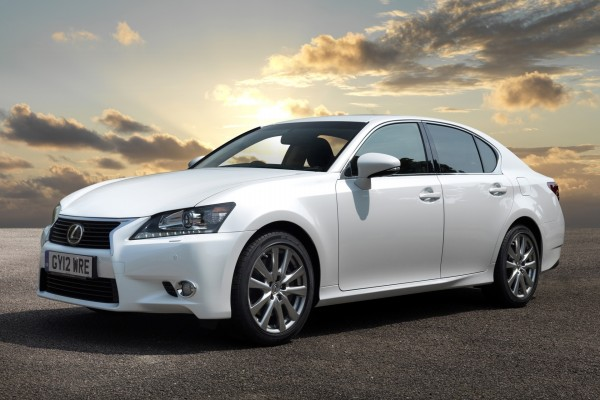 Lexus GS de color blanco