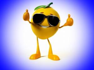 Postal: Sonriente limón con gafas