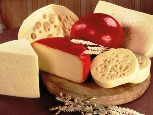 Tabla con varios tipos de queso